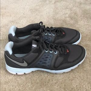 Nike training sneakers VGUC size 7